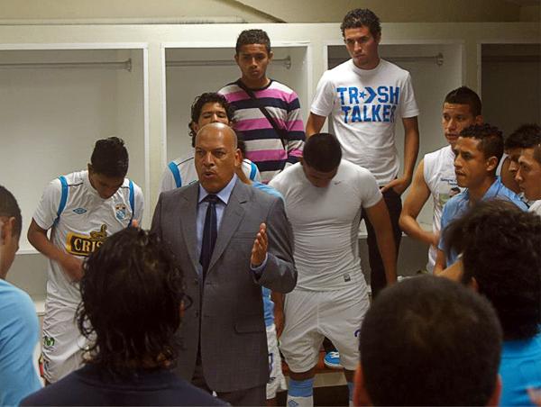 Uno de los méritos de Roberto Mosquera es haber encajado bien en el vestuario rimense para así lograr el apoyo del plantel en busca del título (Foto: prensa Sporting Cristal)