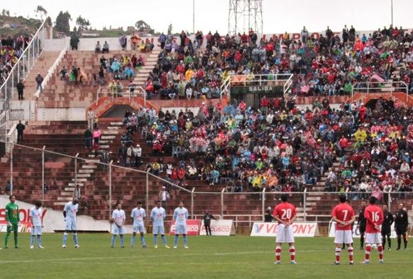 El estadio Garcilaso de la Vega lució un gran marco de público en el Cienciano %u2013 Real Garcilaso. Se vivió una fiesta en las tribunas (Foto: José Carlos Angulo)