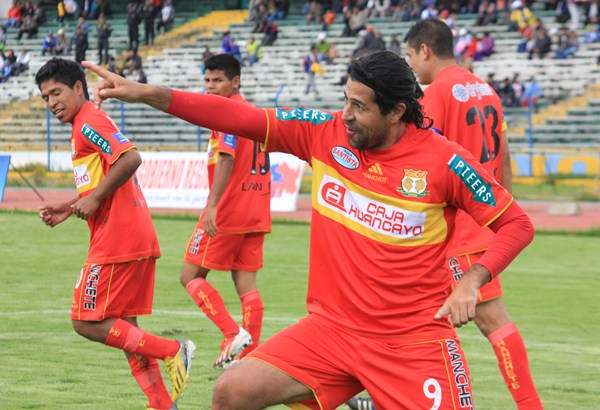 Sport Huancayo es el último destino del goleador histórico del fútbol peruano, equipo con el que aún tiene chance de sumar tantos y recortar alguno de los pendientes que tiene en su carrera (Foto: Diario Primicia de Huancayo)