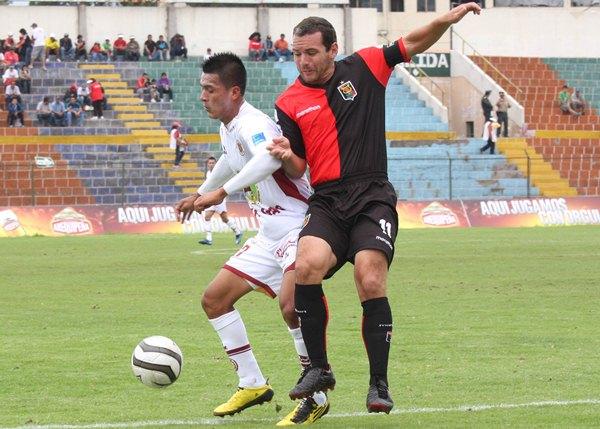 Dani Aliaga se ha ganado de a pocos un puesto en el once titular de Inti Gas donde es el responsable de cubrir la banda derecha ayacuchana (Foto: cortesía Ovación digital)