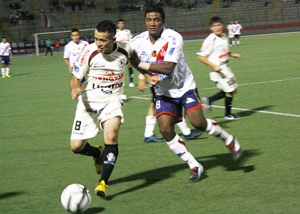 León se volvió incontenible para Gálvez en Chimbote donde los huanuqueños golearon en las primeras fechas del torneo (Foto: Héctor Inti / Diario de Chimbote)