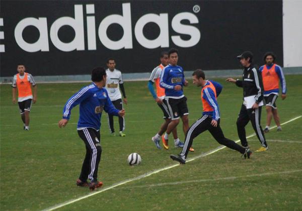 A Cristal se le criticó el hecho de haber regresado en Lima pese a que, en un primer momento, pactó el duelo ante Real Garcilaso para este miércoles (Foto: prensa Sporting Cristal)