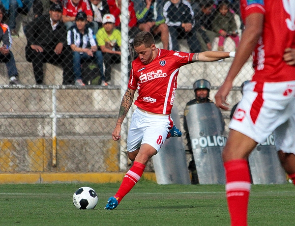 Un juego silencioso, pero muy efectivo el que promueve Rivero en el medio campo de Cienciano (Foto: Vanessa Álvarez Sancho)