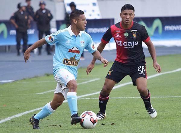 Cristal supo acomodarse a la adversidad y un equipo superior como Melgar. (Foto: Raúl Chávarry / DeChalaca.com)
