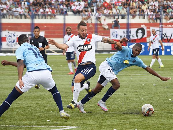 Lavandeira resulta una buena alternativa para la ofensiva edil. (Foto: Raúl Chávarry / DeChalaca.com)