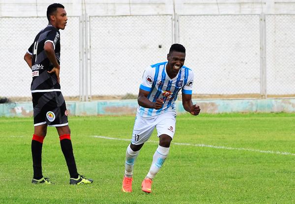 Aponzá no solo fue el goleador, sino el mejor jugador del torneo. (Foto: diario El Tiempo de Piura)