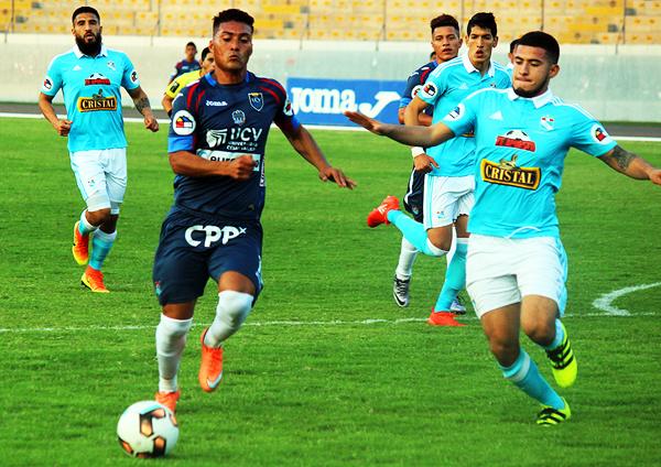 Daniel Chávez abrió la cuenta para la Vallejo. (Foto: diario La Industria de Trujillo)