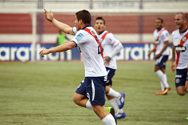 Corzo se acostumbró a gritar goles con Municipal. (Foto: Raúl Chávarry / DeChalaca.com)
