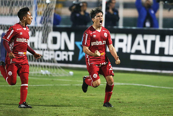 Diego Manicero igualó el marcador con un potente remate. Fue uno de sus mejores partidos con camiseta de Universitario. (Foto: Andina)