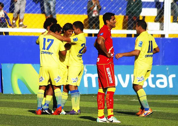 Carlos Javier Flores anotó el tercero para Comerciantes. (Foto: Mauro Delgado / prensa Comerciantes Unidos)