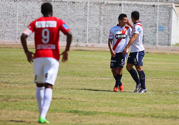 Cerrado en el fondo, Municipal consiguió administrar el contragolpe y ganar en Lambayeque. (Foto: diario La Industria de Chiclayo)