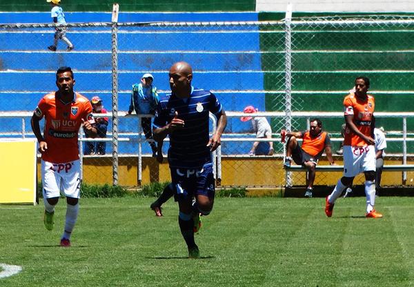 Ronald Quinteros fungió una vez más de lateral izquierdo. (Foto: prensa Real Garcilaso)