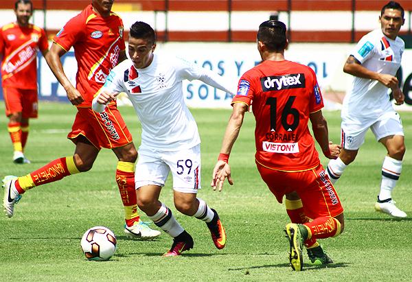 Ortiz puso el pase de gol que significó el 1-0 de San Martín. (Foto: Pedro Monteverde / DeChalaca.com)