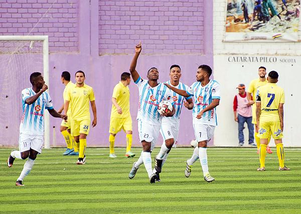 Robinson Aponzá sumó dos goles más para acumular 30 goles en el Descentralizado. (Foto: John Llatas)