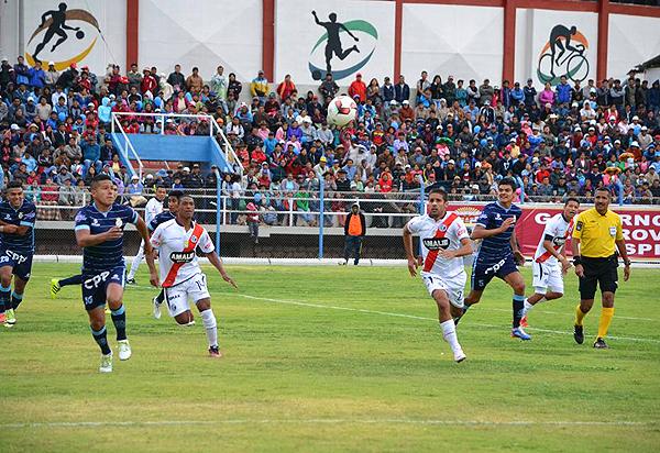Marcio Valverde se ubicó como volante derecho y fue la figura del partido. (Foto: prensa Real Garcilaso)