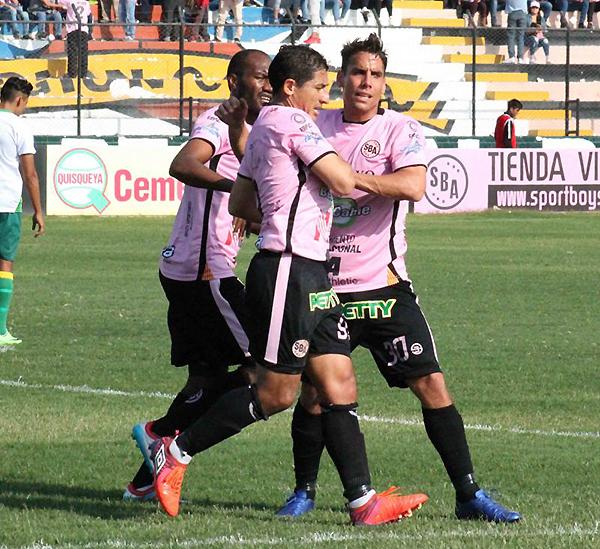 Más allá de su caracter, Johan Fano demostró jerarquía para pelear en el ataque rosado. (Foto: prensa ADFP-SD)