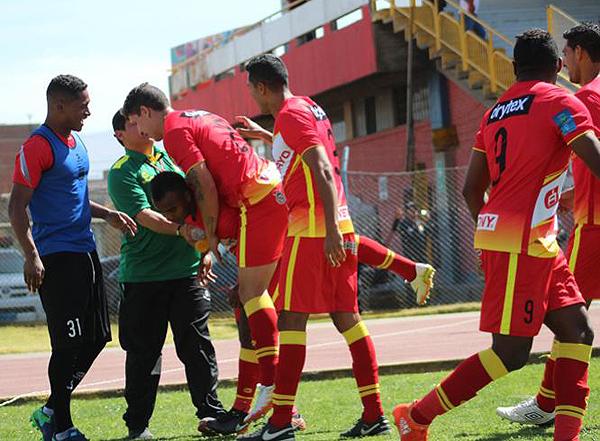 Luis Trujillo su gol de gran factura. (Foto: Ángel Fajardo)
