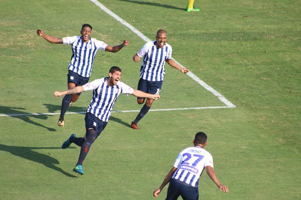 Leyes era cuestionado, pero con dos goles le dio el título del Clausura y nacional a Alianza Lima. ()