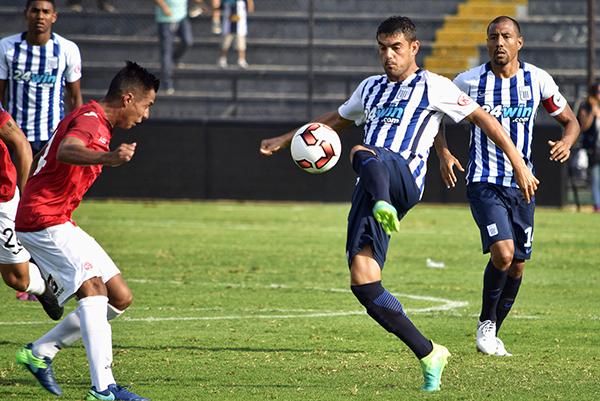 Después del tanto de Luis Aguiar, Alianza Lima no pasó apuros ante un Juan Aurich que, a diferencia de la última vez, no fue humillado. (Foto: Raúl Chávarry / DeChalaca.com)