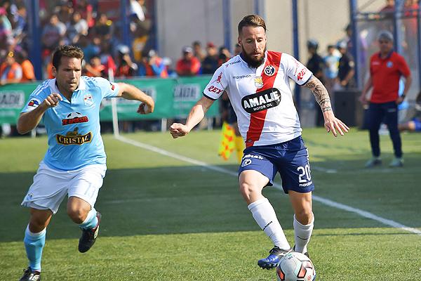 Después de una muy buena temporada 2016 con Municipal, a Pablo Lavandeira le sobraron las ofertas. (Foto: Raúl Chávarry / DeChalaca.com)