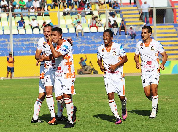 Israel Kahn ha vuelto a renacer en el fútbol con la camiseta de Ayacucho FC (Foto: prensa Ayacucho FC)
