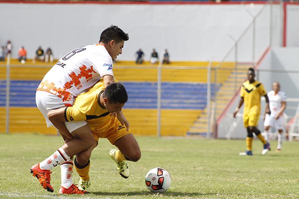 Ayacucho FC estuvo en la capacidad de convertir dos goles y salir airoso de su duelo ante Cantolao. (Foto: Ciro Madueño)