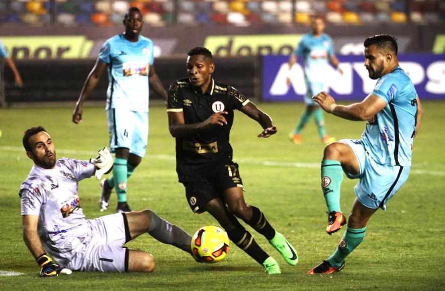 Alberto Quintero tuvo una buena actuación ante UTC. (Foto: prensa Universitario)