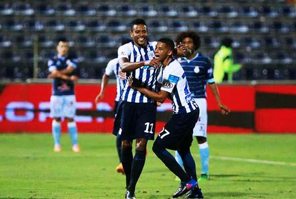 Lionard Pajoy volvió a celebrar. El colombiano aprovechó las oportunidades que le brindó la defensa de Real Garcilaso. (Foto: Andina)