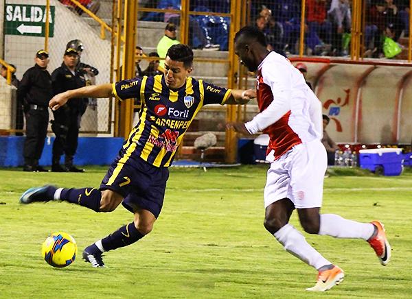 Olascuaga llegó de la Vallejo para ser un valor importante en la creación rosarina. (Foto: prensa Sport Rosario)
