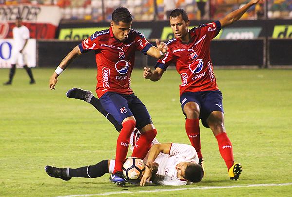 El atacante titular de Universitario será Daniel Chávez, en principio. ¿Es suficiente? (Foto: Pedro Monteverde / DeChalaca.com)