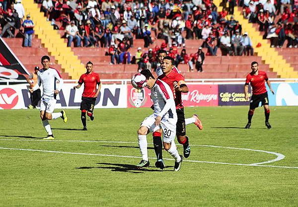 Flavio Ramírez no pudo evitar que Ysrael Zúñiga tenga su tarde. (Foto: Agencia Click)