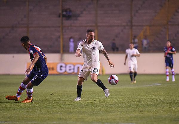 Pablo Lavandeira tuvo bastante actividad en el medio crema, pero le faltó respaldo. (Foto: Álex Melgarejo / DeChalaca.com)