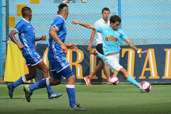 Gabriel Costa estuvo muy movedizo en todo el ataque rimense. (Foto: Aldo Ramírez / DeChalaca.com)