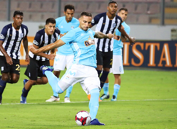 Herrera se prepara para marcar su tercer gol en el Nacional. El argentino cumplió con todas las expectativas rimenses. (Foto: Pedro Monteverde / DeChalaca.com)