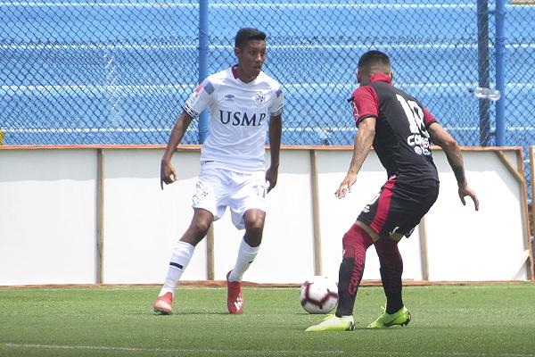 Palacios mostró destellos de buen fútbol. Espera regularidad en San Martín. (Foto: Aldo Ramírez / DeChalaca.com)