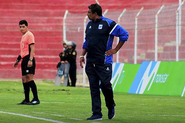 Soto mandó dos delanteros a la cancha. En líneas generales, su apuesta funcionó. (Foto: Prensa Carlos A. Mannucci)