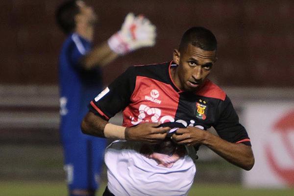 Jhonny Vidales abrió la cuenta para Melgar. Hasta ese momento el rojinegro era muy superior a UTC. (Foto: Fredy Salcedo / DeChalaca.com)
