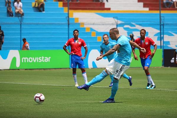 El gol madrugador de Cristal complicó las aspiraciones rimenses. (Foto: Fabricio Escate / DeChalaca.com)