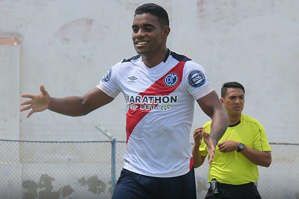 Buitrago marcó un bonito gol para los ediles. (Foto: Mario Azabache / DeChalaca.com)