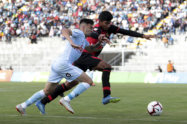 Desde que llegó a Real Garcilaso, los partidos de Souza han sido buenos. (Foto: José Carlos Angulo / DeChalaca.com)