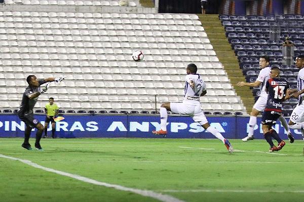 ¿Había posición adelantada en el gol de Cuba? (Foto: Pedro Monteverde / DeChalaca.com)