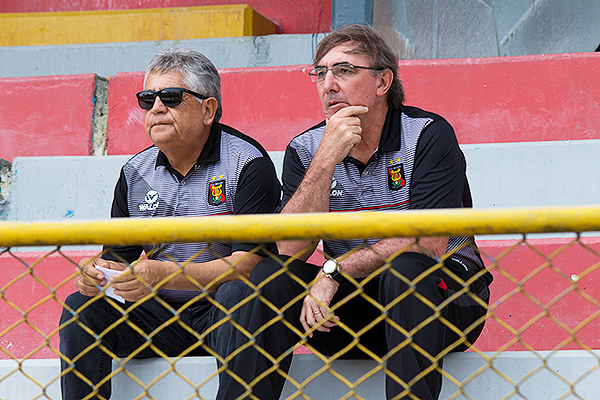 Pautasso, como muchos técnicos esta fecha, tuvieron que ver los partidos desde la tribuna. (Foto: Emilio Ruiz / DeChalaca.com)