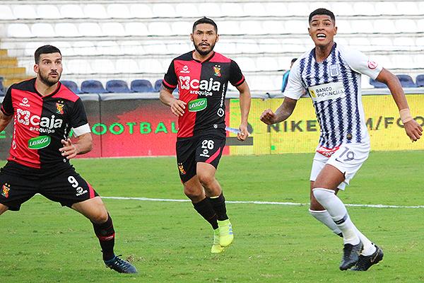 Sánchez aparece en la imagen, en medio de Cuesta y Cartagena. (Foto: Fabricio Escate / DeChalaca.com)