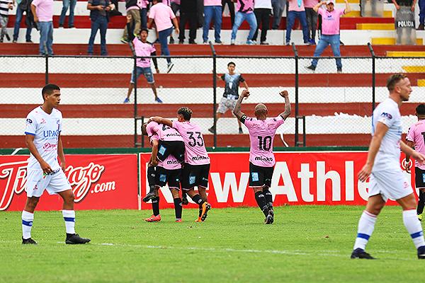 Mannucci fue derrotado por Boys y determinó la salida de Soto. (Foto: Pedro Monteverde / DeChalaca.com)