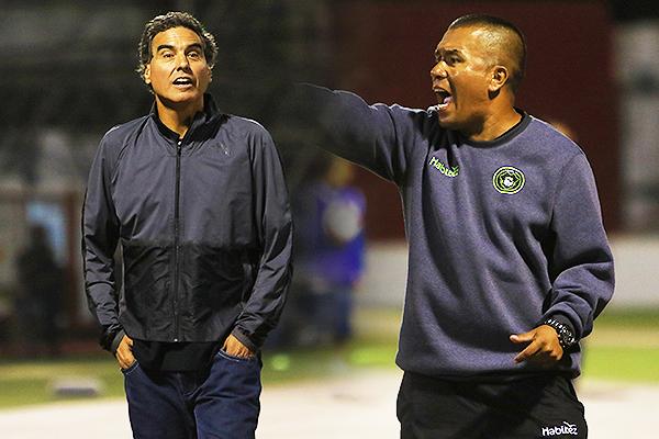 Del Solar salió decidido a atacar ante un Fernández más cuidadoso. (Foto: Celso Roldán / DeChalaca.com)