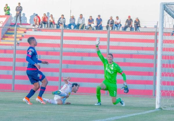 A pesar de la goleada, Diego Penny tuvo algunas intervenciones de mérito. (Foto: Prensa Ayacucho FC)