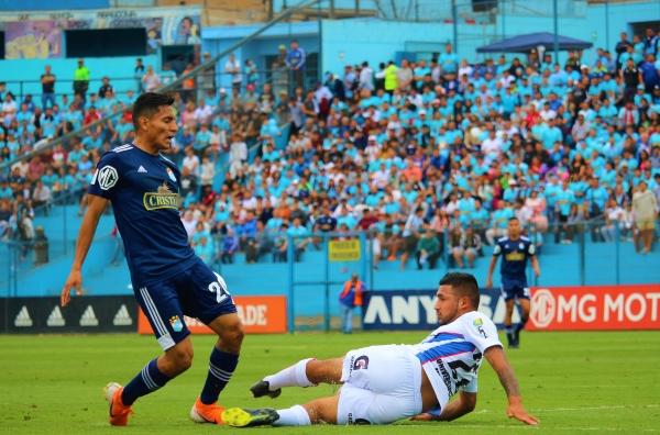 Sandoval fue de lo más desequilibrante en el cuadro 'cervecero'. (Foto: Fabricio Escate / DeChalaca.com)
