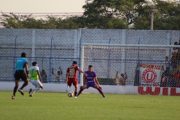 Vaca estuvo muy cerca de debutar con gol, pero falló en el toque final. (Foto: Larry Jalk / DeChalaca.com)