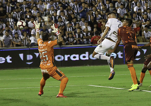 Mauricio Affonso fue la gran figura ante Barcelona (Foto: Pedro Monteverde / DeChalaca.com)