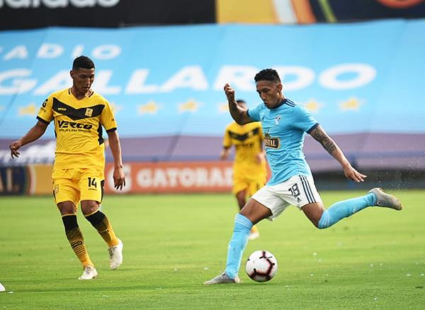 Sporting Cristal ahora juega con un 4-2-3-1 (Foto: Álex Melgarejo / DeChalaca.com).